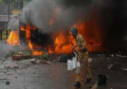 maoists torch vehicles