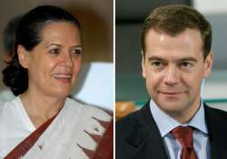 medvedev congratulates sonia on her birthday