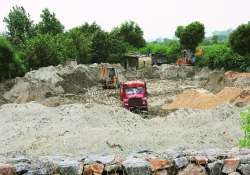 sand mafia shifts from noida
