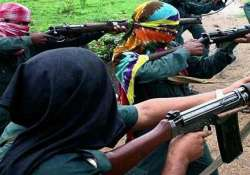 suspected maoists abduct seven people in jharkhand