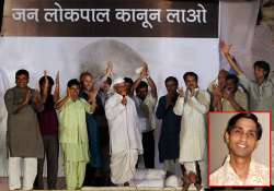 unease in team anna hazare hints at revamp