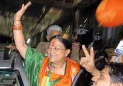 vasundhara raje stakes claim to form government in rajasthan