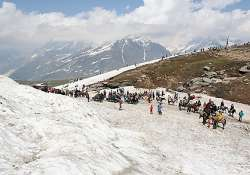 200 tourists trapped in snow rescued over 50 tourists still