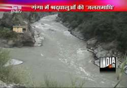 25 pilgrims killed as bus falls into ganges