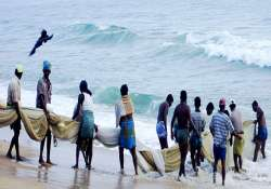50 fishermen injured as sl naval personnel attack them
