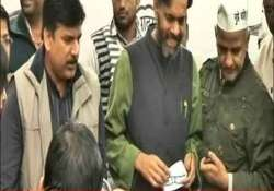 aap gives clean chit to candidates says sting cd fake