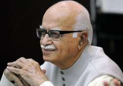 advani seeks simultaneous polls for ls state assemblies