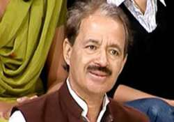 congress slams bjp for dragging sonia pm in cwg mess