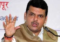 co passengers come out in support of maharashtra cm fadnavis