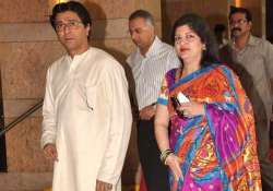 raj thackeray s wife has plastic surgery after pet dog