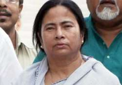 mamata returns to writers building after sfi protest