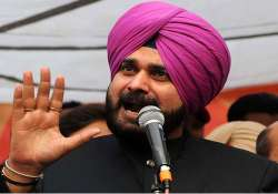 navjot sidhu calls off fast after rajnath badal intervene