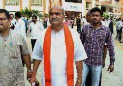 pub attack case accused joins congress disowned by party