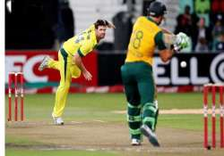 australia beats safrica by 4 wickets in 3rd t20