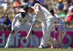 australia edges ahead of sri lanka on day 2