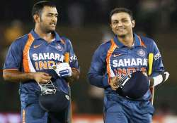 bcci steps in asks dhoni sehwag to ensure team unity