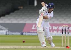 england beats west indies by 5 wickets in 1st test
