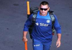 aus vs ind with dhoni s return india look to fight back