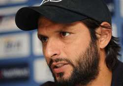 senior cricketers should be given dignified exit afridi