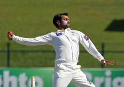 mohammad hafeez to play remaining tests despite suspect