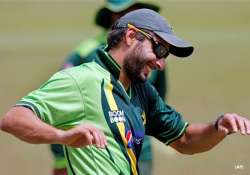 make winning a habit afridi tells team pak