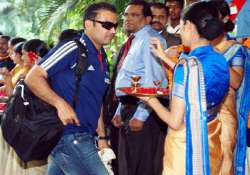 sehwag to undergo shoulder surgery