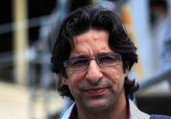 senior players may not be in dhoni s control says akram