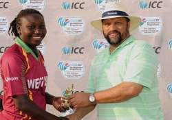 stafanie only cricketer in history to be no 1 in