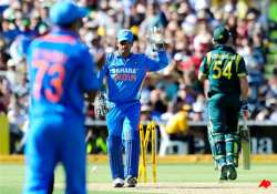 table toppers india aim to stifle cornered aussies