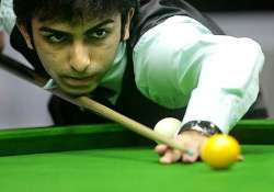 cueist pankaj advani goes down to robbie williams