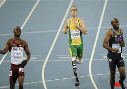 pistorius gets silver in 4x400 relay at worlds