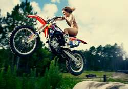watch hot pics of tarah gieger a female motocross racer