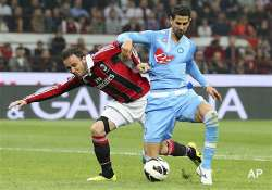 10 man milan draws 1 1 against napoli in serie a