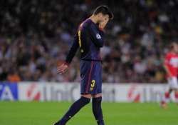 barcelona s pique out for 2 3 weeks with hurt foot
