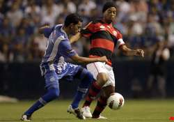 emelec rallies to stay alive in copa libertadores