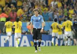 fifa world cup diego forlan not ready to leave
