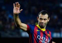 disappointed mascherano wants to stay with argentina