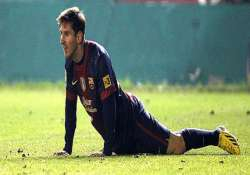 messi signs renews contract with barcelona
