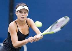 cirstea advances when zvonareva retires in pattaya