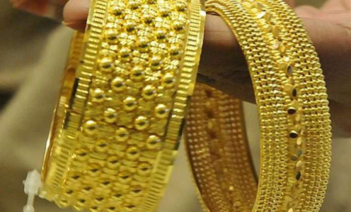 gold silver recover on global cues