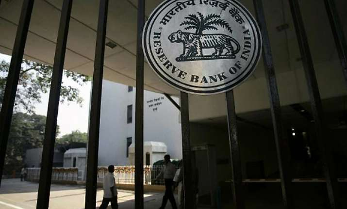 rbi cuts lending rate home loans may become cheaper