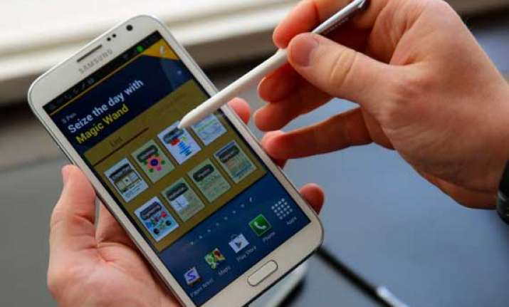samsung galaxy note ii a tough competitor to iphone 5