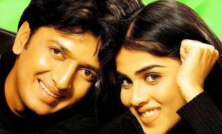 bollywood elated with riteish genelia marriage news