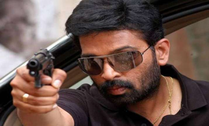 j d chakravarthy to direct 3d horror film in hindi