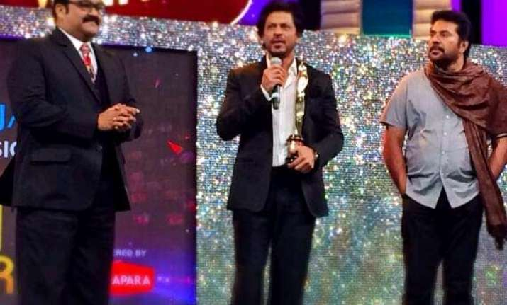 shah rukh khan honoured to perform with mammootty mohanlal