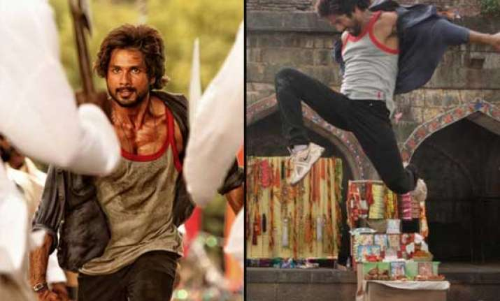 shahid kapoor s aggressive look in rambo rajkumar out view