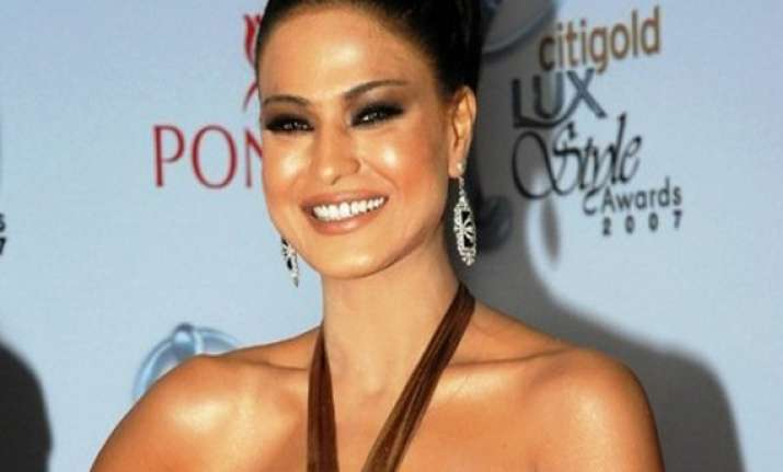 veena malik to sing for kannada remake of the dirty picture