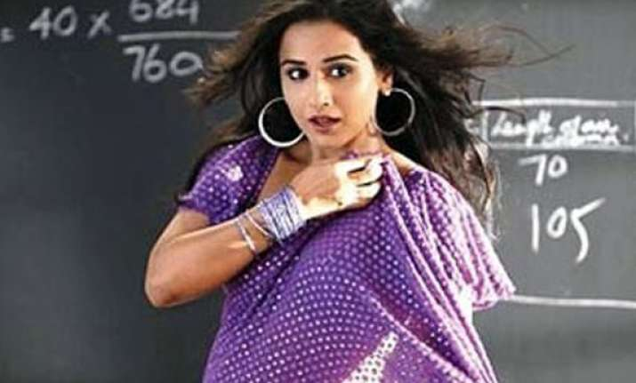 vidya to do an item number in ferrari ki sawari