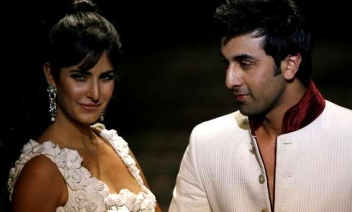commitment phobic ranbir kapoor to split with katrina see
