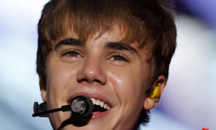 bieber stages concert at low income vegas school